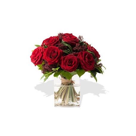 Blumenstrauss Aus Roten Rosen Interflora Luxembourg