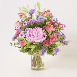 Mama und vase angeboten